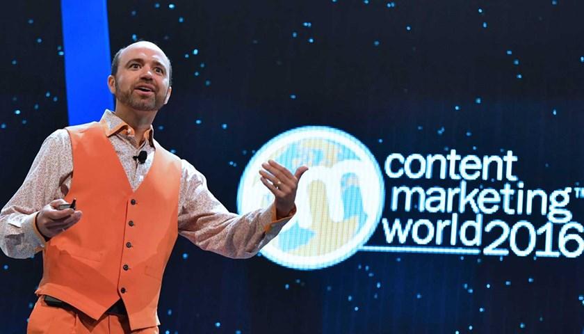 Content Marketing World: Journalists vs. Marketers